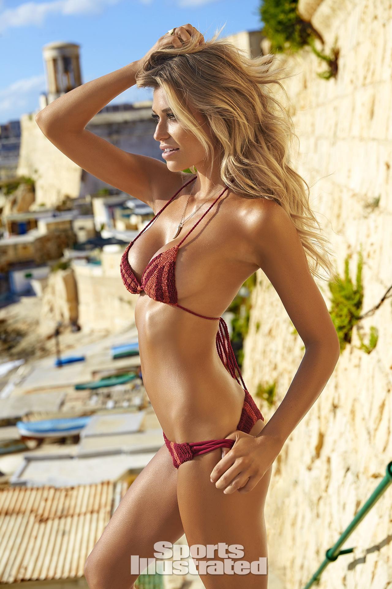 Kehlani cleavage,Iggy azalea titties for instagram Sex fotos Mariana braga,Kylie jenner sexy 7 Photos gifs