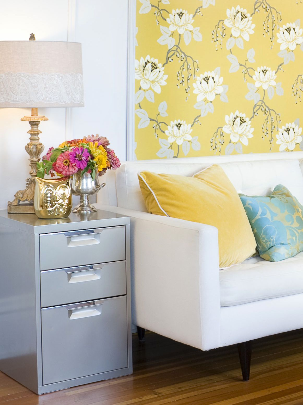 Dorm Room Furniture: Dorm Décor Tip: Buy Pieces That Are Multifunctional