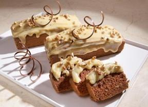 Bolo alemão com calda de chocolate branco é irresistível! - Gastronomia - Bonde. O seu portal