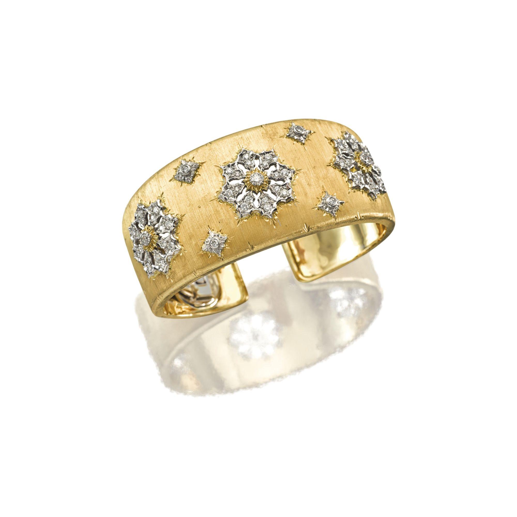 18 Karat Gold and Diamond Cuff Bangle Mario Buccellati The hinged