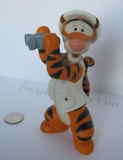 Tigger ceramic Figurine with Binoculars on Safari Disney Collectable