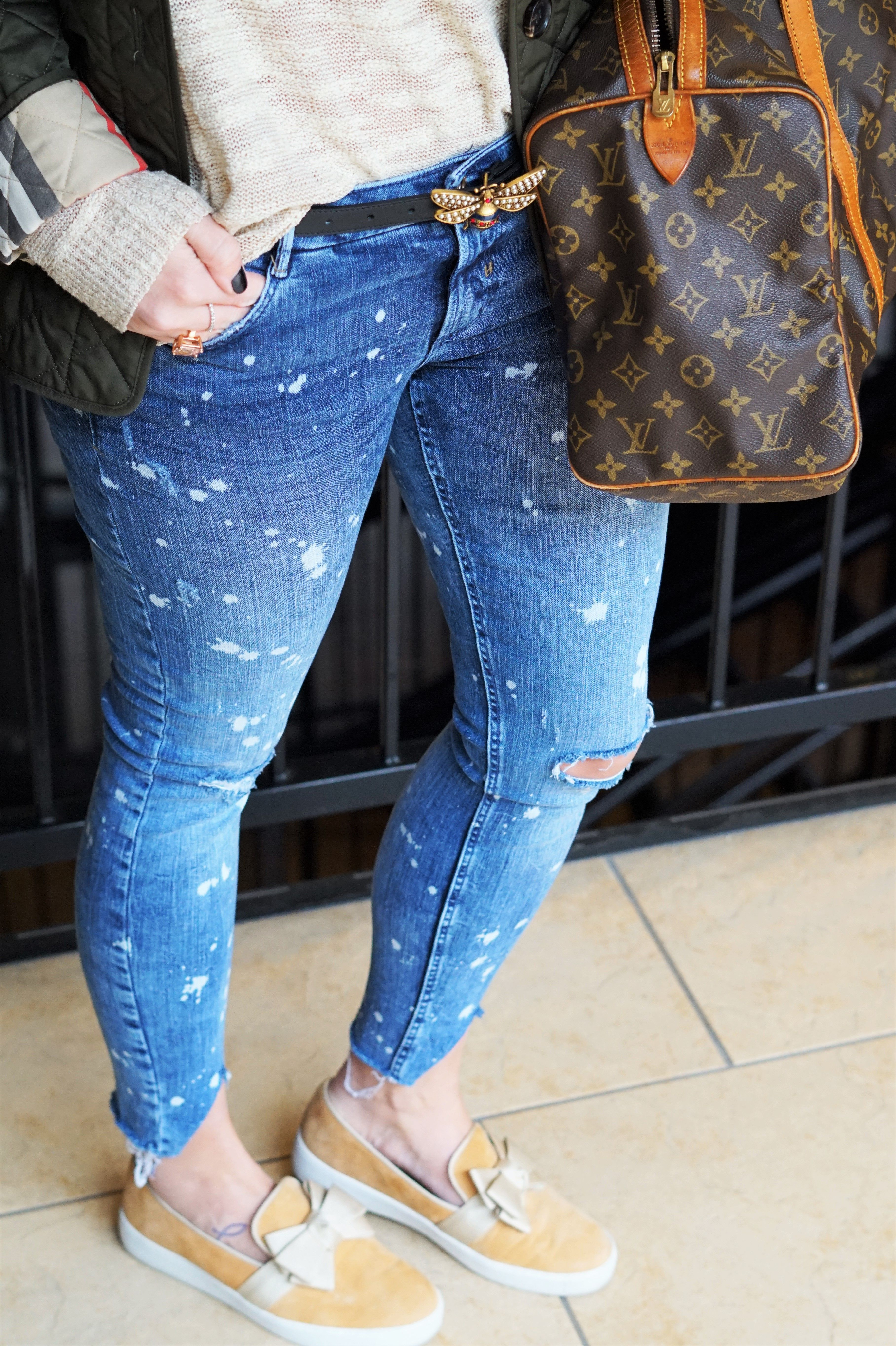 b0adc8f287de7 Super distressed jeans from Zara    Vintage Louis Vuitton Handbag   Luggage     Gucci Queen Margaret Leather belt    Gucci Bumble Bee Belt    Olive  Green ...
