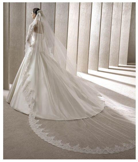 Vestidos de novia con velos largos