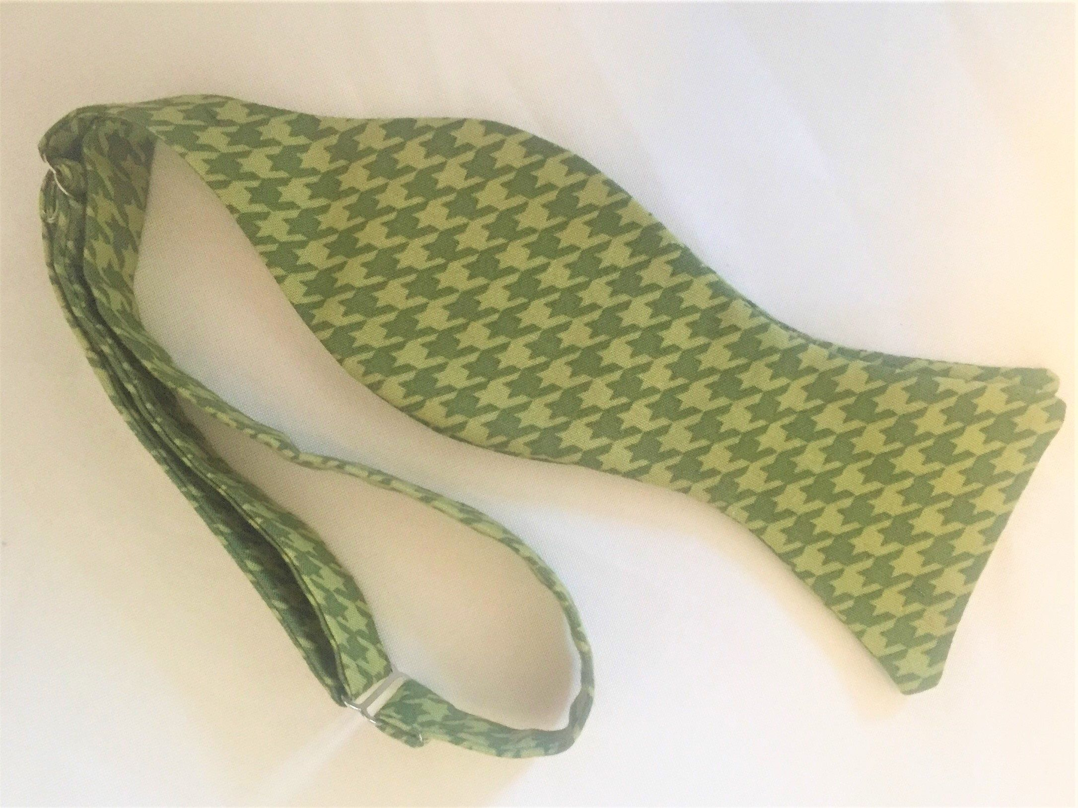 d0e8fa705909 Excited to share the latest addition to my #etsy shop: Green Herringbone  Bow Tie. Classic Shades of Sage. Available as a self tie or pre-tied.