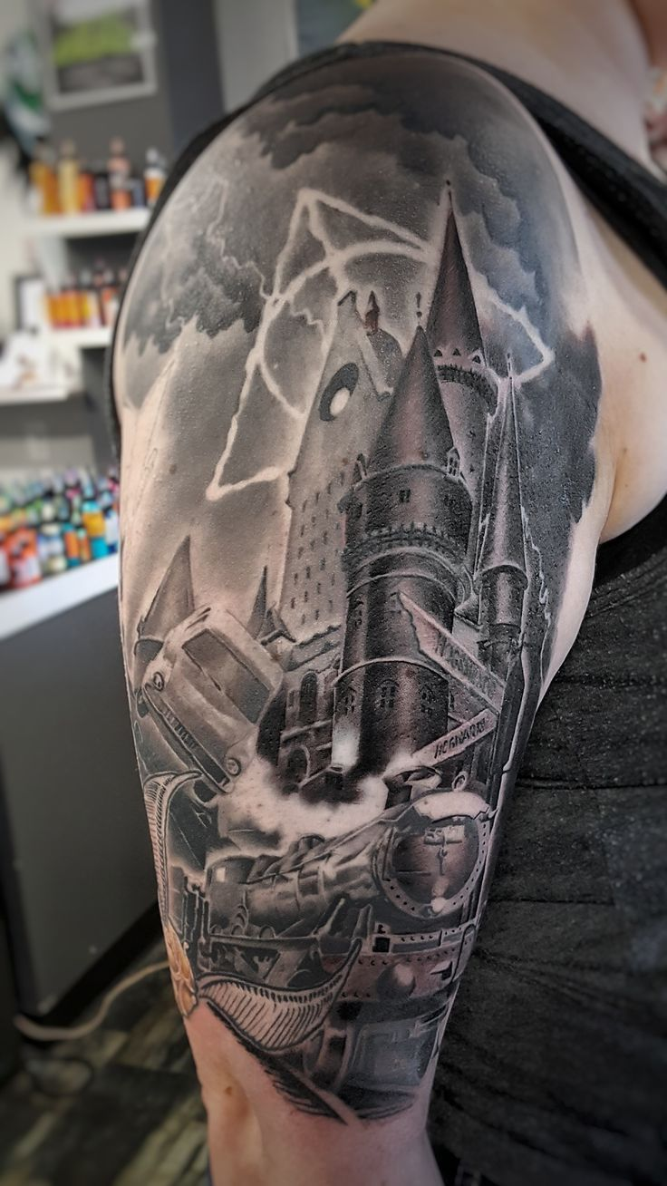 Harry Potter sleeve that I DESPERATELY want and need!!!!!! 😍😍🤗🤗🤗🤗