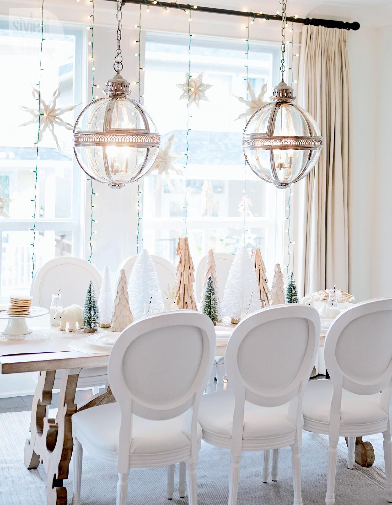 House tour A white and gold Christmas morning in 2018