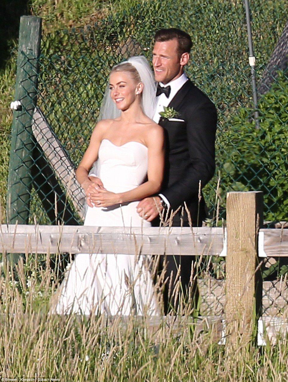 Julianne Hough And Brooks Laich Wedding Celebrity Bride Celebrity Wedding Gowns Celebrity Wedding Photos