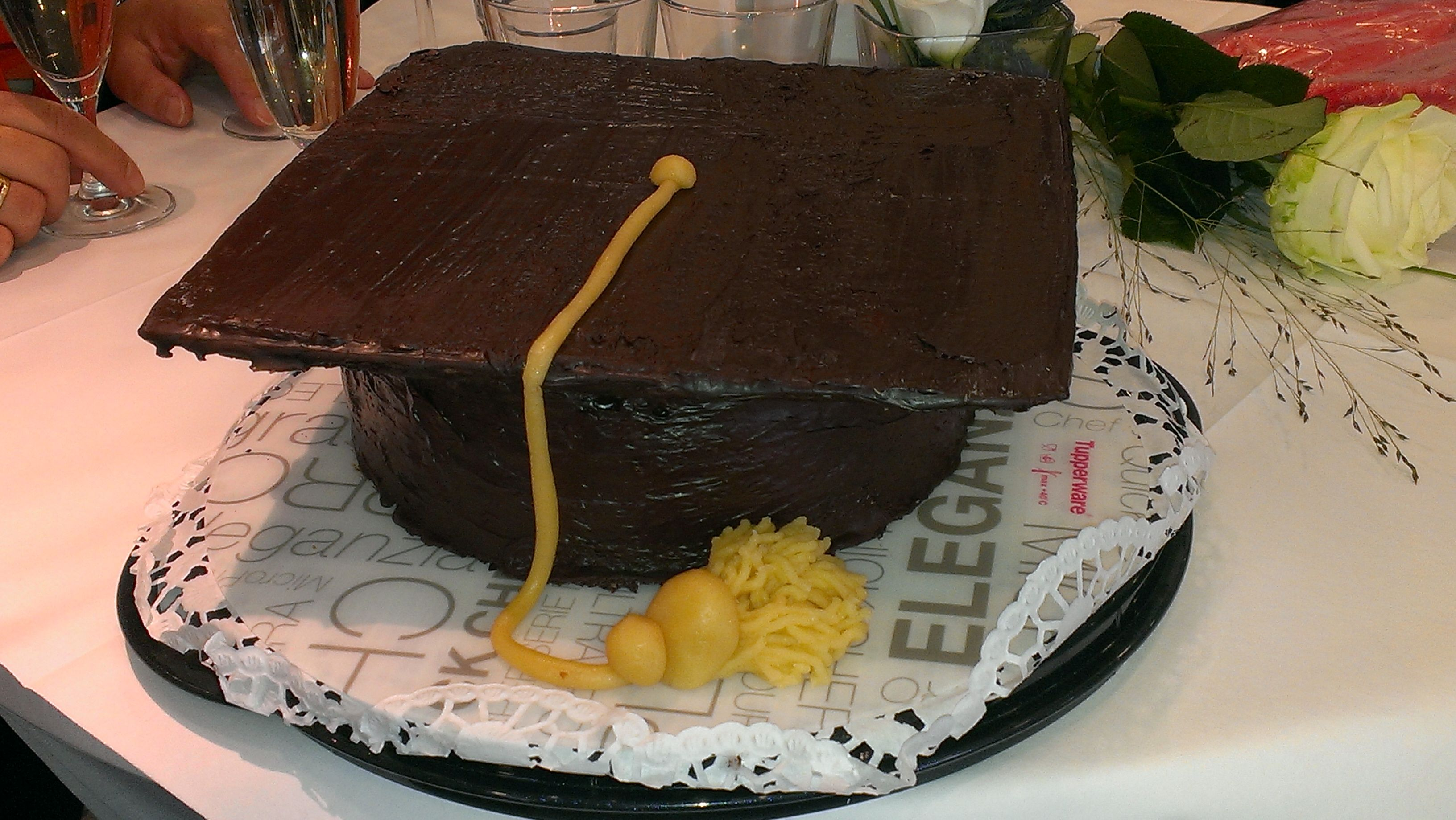 Bachelor Torte mit Nougat Biskuit und Himbeer Schoko Füllung