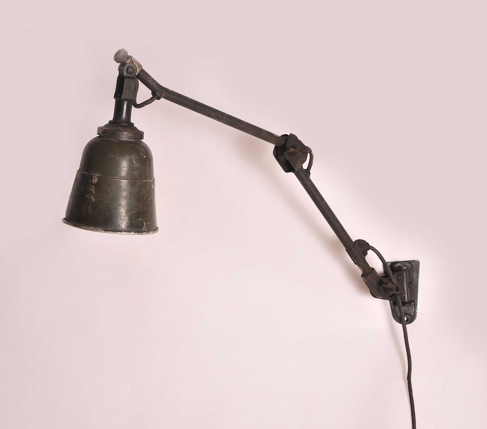 Midgard Bauhaus Lamp Werkbank Beleuchtung