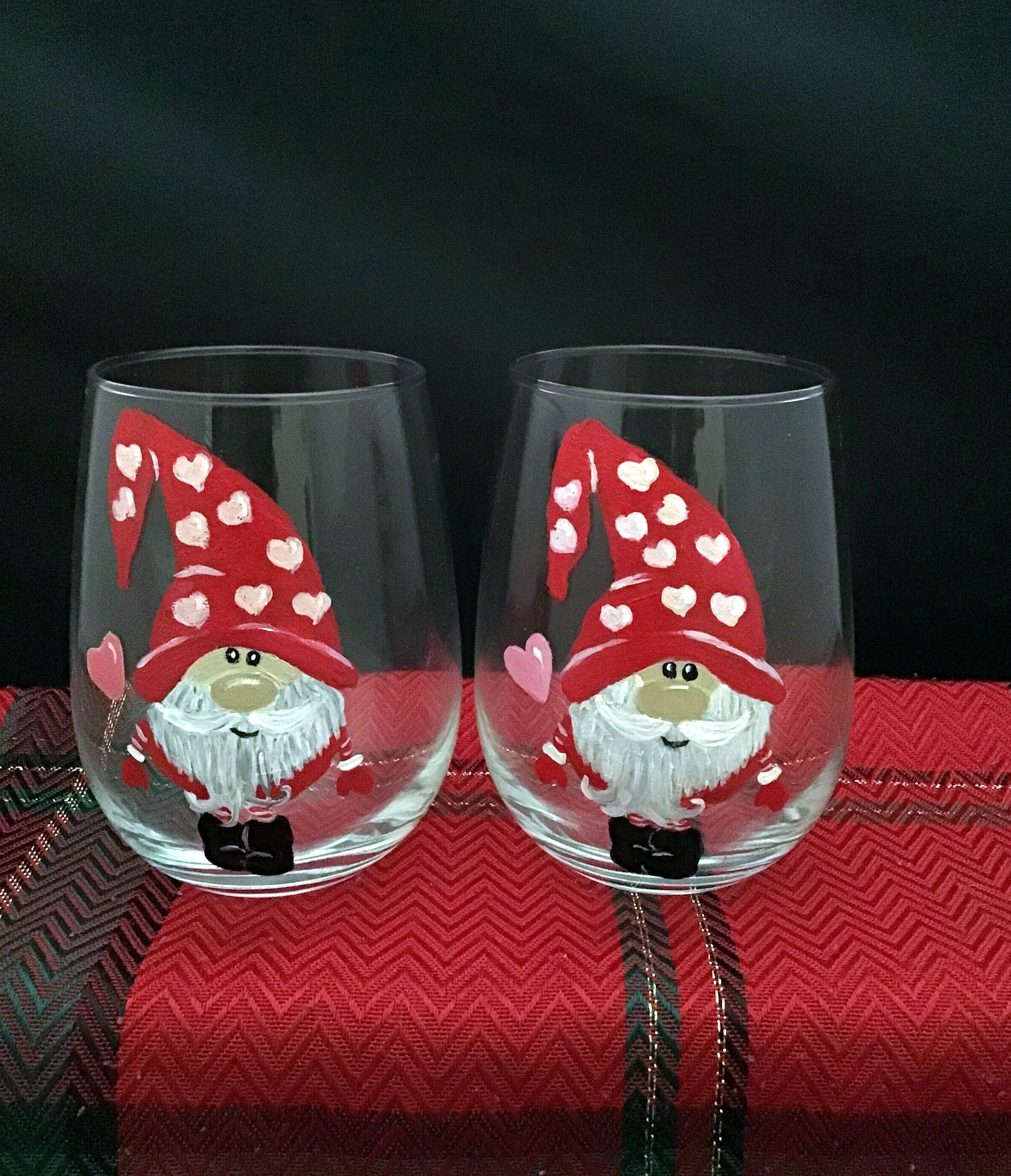 Gnome Wine Glass Heart Gnomes Christmas Gnomes Glasses Etsy In 2020 Painted Wine Glasses Christmas Wine Glass Decor Winter Wine Glasses