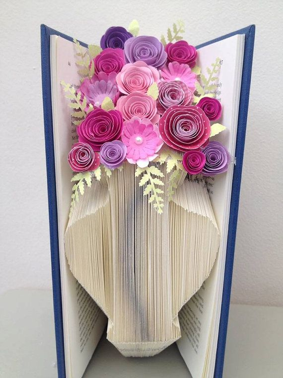 book folding pattern vase flower vase free tutorial book folding pinterest bokkonst. Black Bedroom Furniture Sets. Home Design Ideas