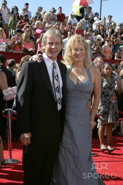 Richard Gilliland And Jean Smart Famous Couples Jean Smart Designing Women He began his professional acting career in the 1970's, appearing in shows like the streets of san francisco, mcmillan & wife. richard gilliland and jean smart