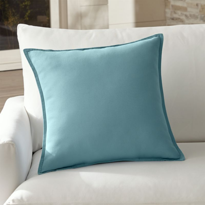 Outdoor Pillow Standout Solids