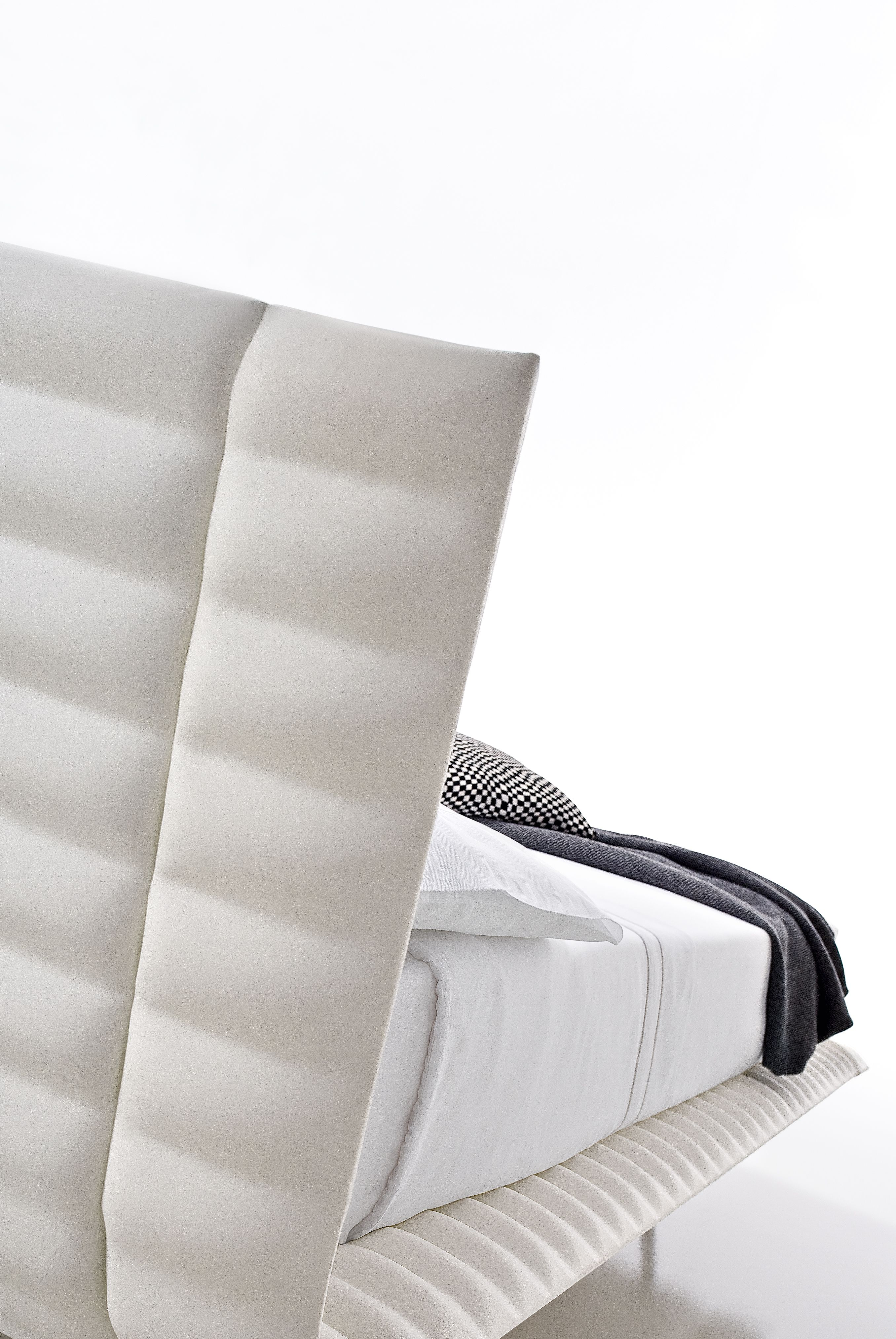 the pleinemer bed from ciacci sleep in designer bliss