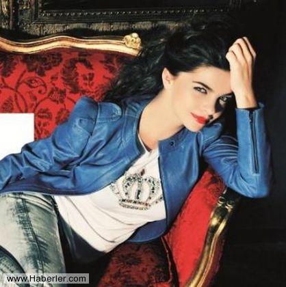 أم عيون زرق Actresses Fashion Beautiful