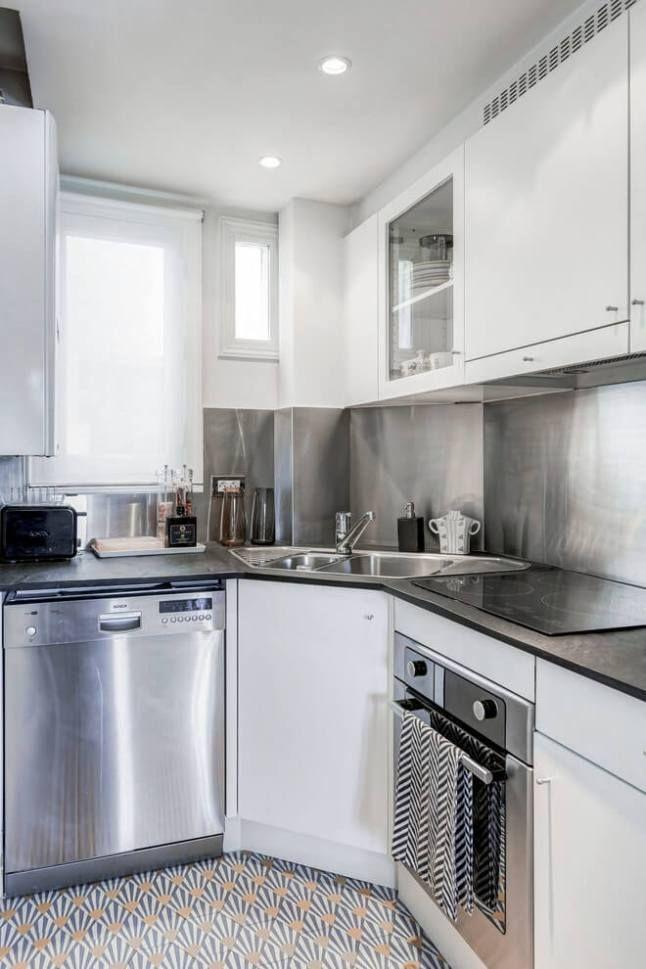 Un fregadero esquinero para cocinas mini cocina for Muebles de cocina esquineros