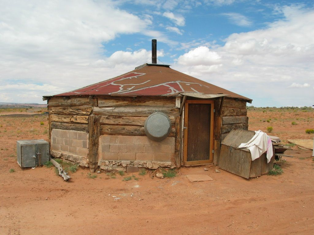 One room hogan, Navajo Indian Reservation, Arizona ...