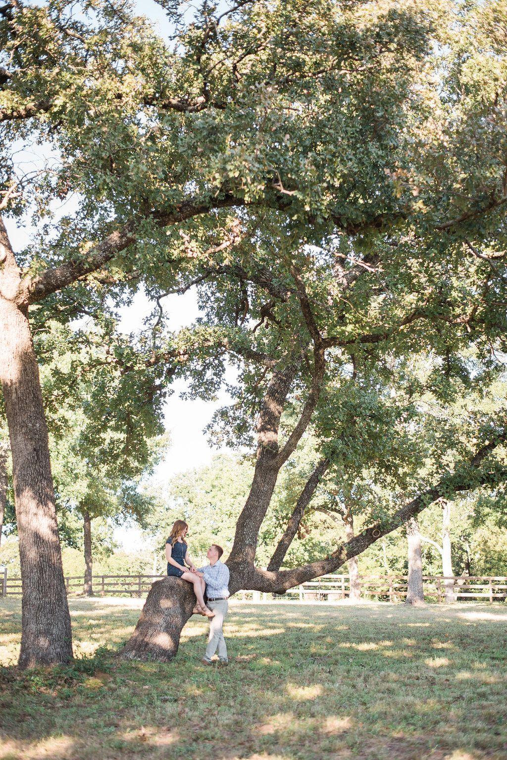 October engagement shoot at The Grove! Photos by Gray Door Photography www.thegroveaubreytexas.com #EngagementPictures #FallEngagement #TexasEngagement #NorthTexasWeddingVenue #TheGroveTX #OutdoorEngagement #EngagementPictureOutfits #Engaged