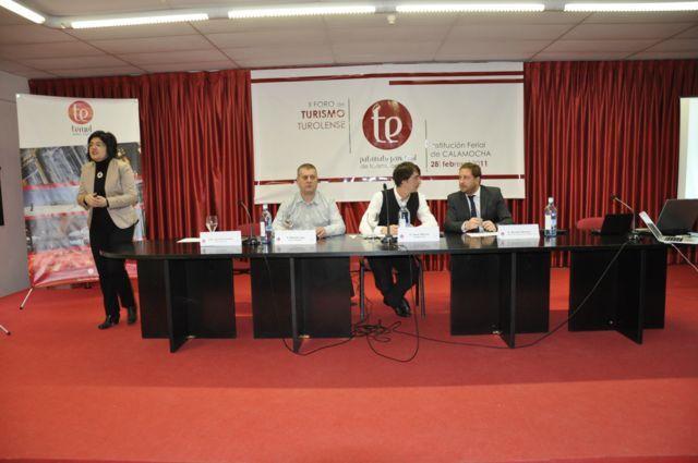 II Foro del turismo Turolense Con Ricardo de Aceros de Hispania, Oscar de Atrápalo y Ricardo de Turismo de Aragón (la foto de El Rincón de la Talega: http://blog.elrincondelatalega.es/2011/03/ii-foro-del-turismo-turolense.html )