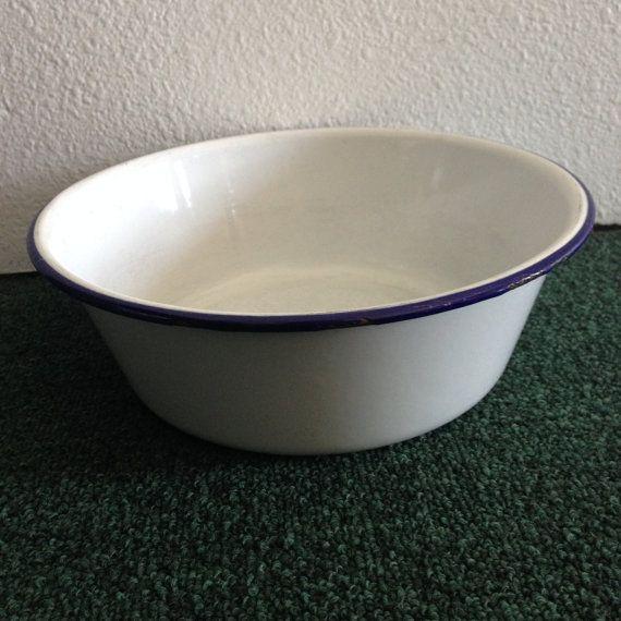 White Enamelware Wash Basin With Blue Trim Enamelware Bowl Etsy Wash Basin Enamelware Basin