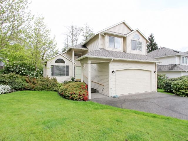 This is a beautifully maintained & loved greenbelt home on a corner lot in the desirable Forster Woods community. Inside you will find an inviting living room with vaulted ceilings, warmed by an efficient gas fireplace (the home also has central AC!), flowing to the kitchen, which offers; new sink & faucet, new microwave, new dishwasher, garden window, informal eating area which steps out to deck, ...  More Details www.TheCascadeTeam.com
