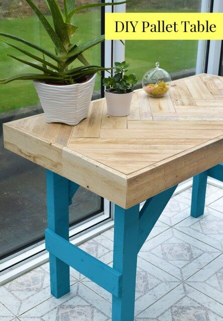 Awesome DIY Pallet Table instructions on how to inexpensively build this modern table using scrap wood For Your House - Popular how to make a wooden table In 2018
