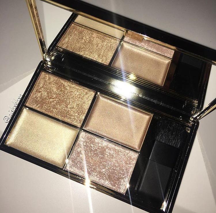 SLEEK highlighting palette Cleopatra's Kiss. makeup