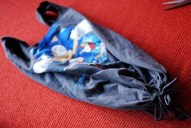 No-Sew T-shirt Bags! by -leethal-, via Flickr
