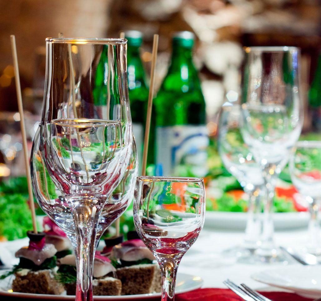 Poggio Costantino è la location ideale anche per party aziendali, aperitifi, pranzi di lavoro, e cene ufficiali!