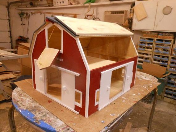 One Of The Most Playable And Favorite Barns In Line Up This Realistic Looking Barn Is Hand Painted Red With White Trim Both Sides Lower Hip