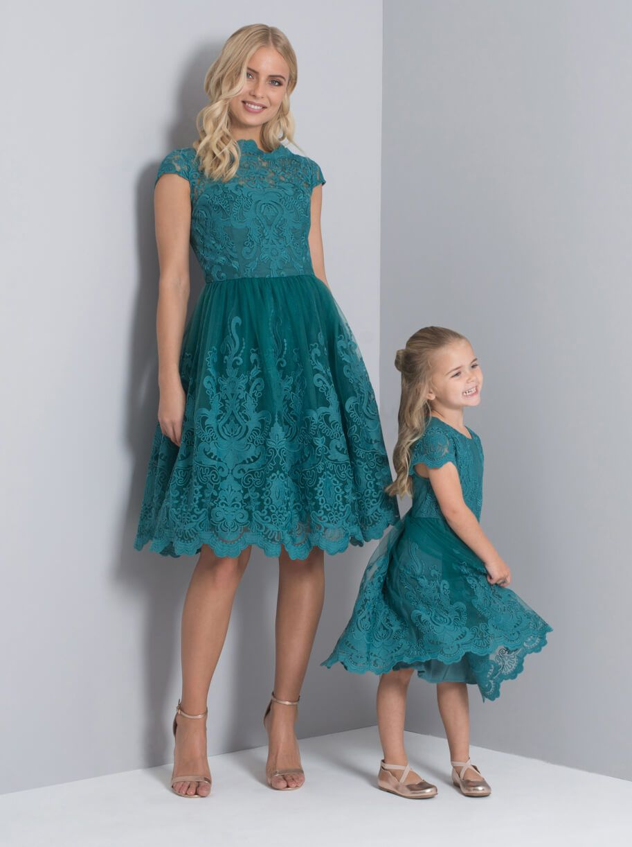 Chi Chi Laurel Lace Dress Green Teal Myonewedding Co Uk Teal Bridesmaid Dresses Short Lace Bridesmaid Dresses Teal Lace Dress