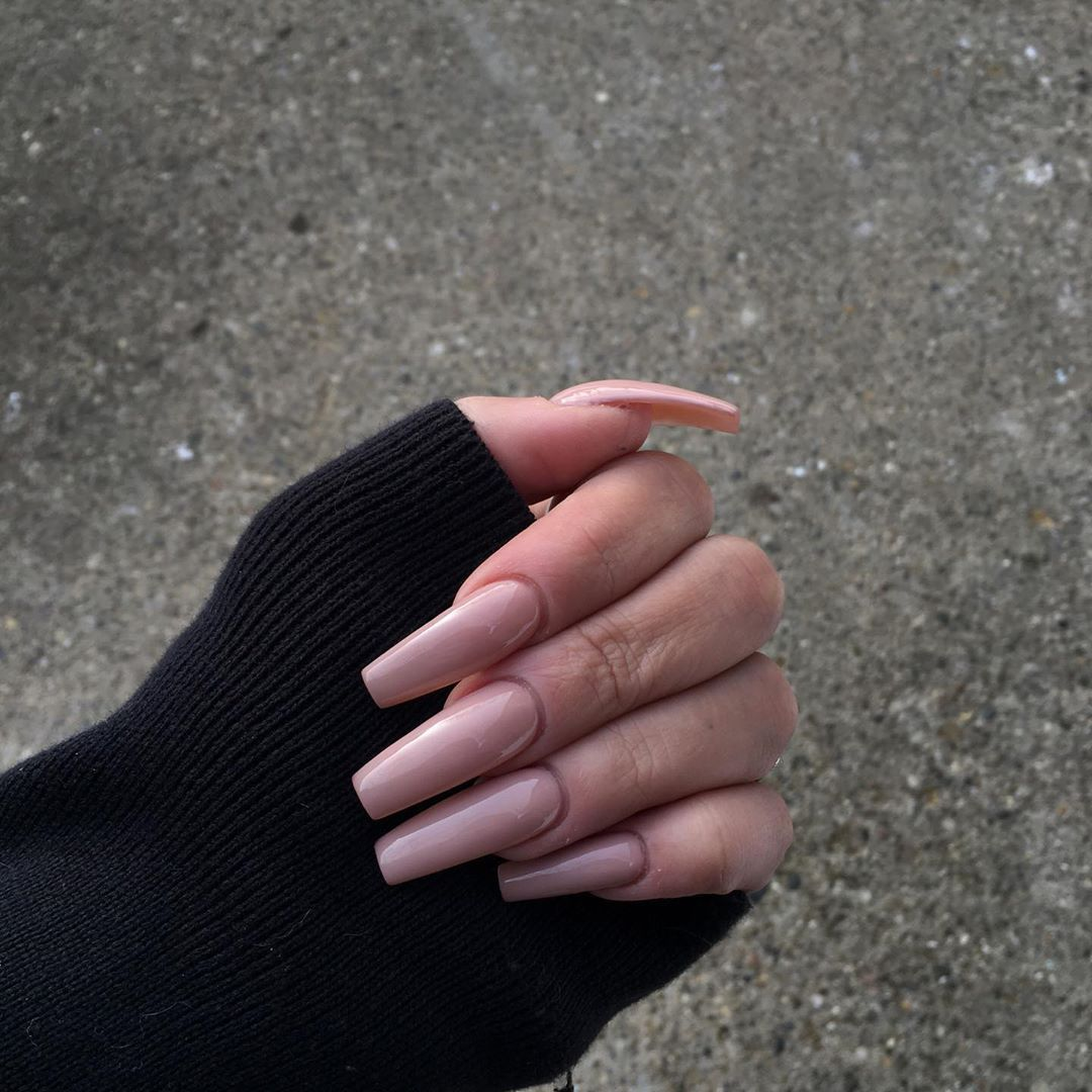 Based Goddess Laurel On Instagram First Time Getting Acrylics By Someone That Isn T Me Was A Success Acrylics Acrylic In 2020 Acrylic Nails Long Nails Nail Pro