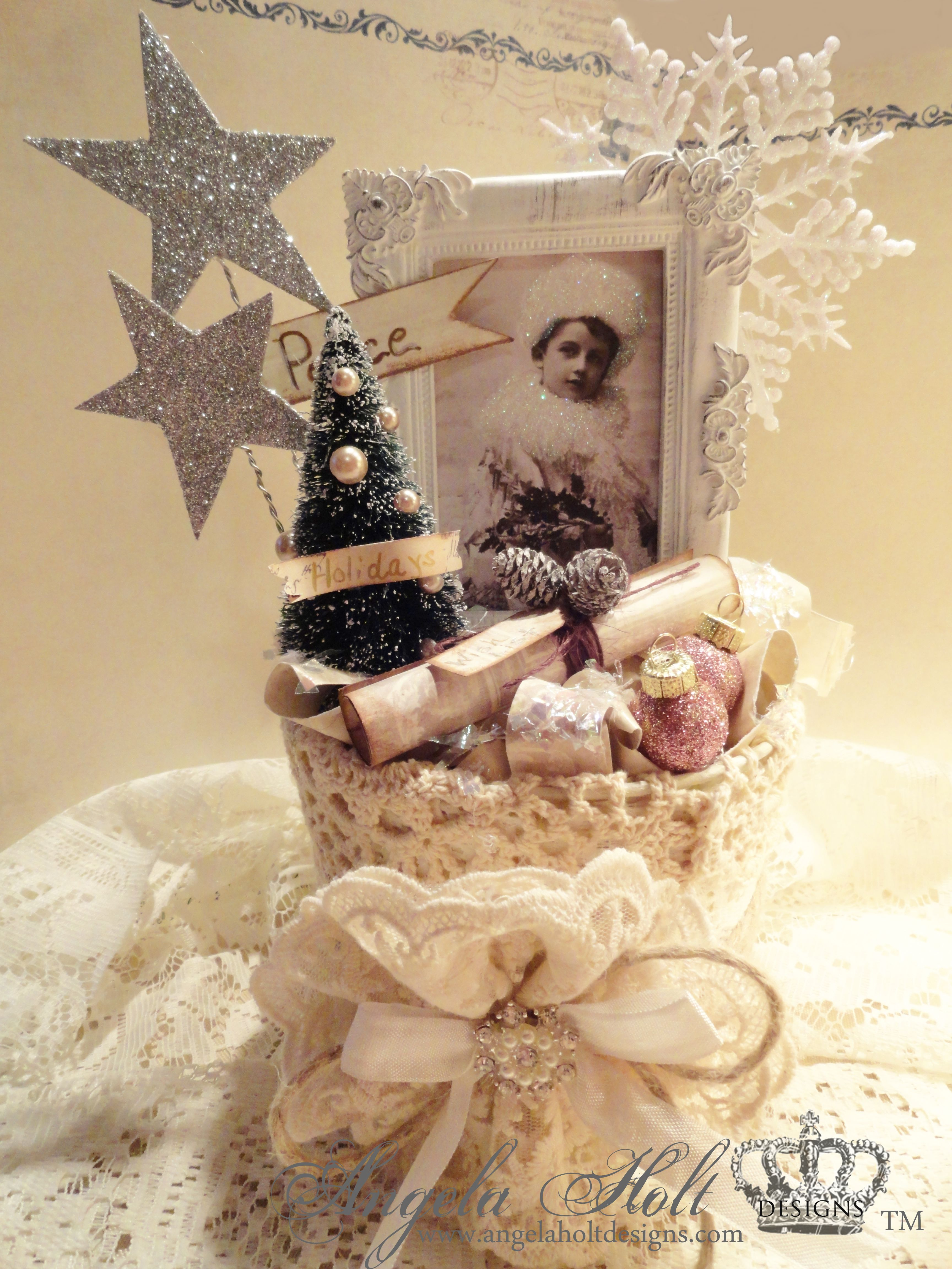 Shabby Chic Christmas Decoration Follow this link for tutorial