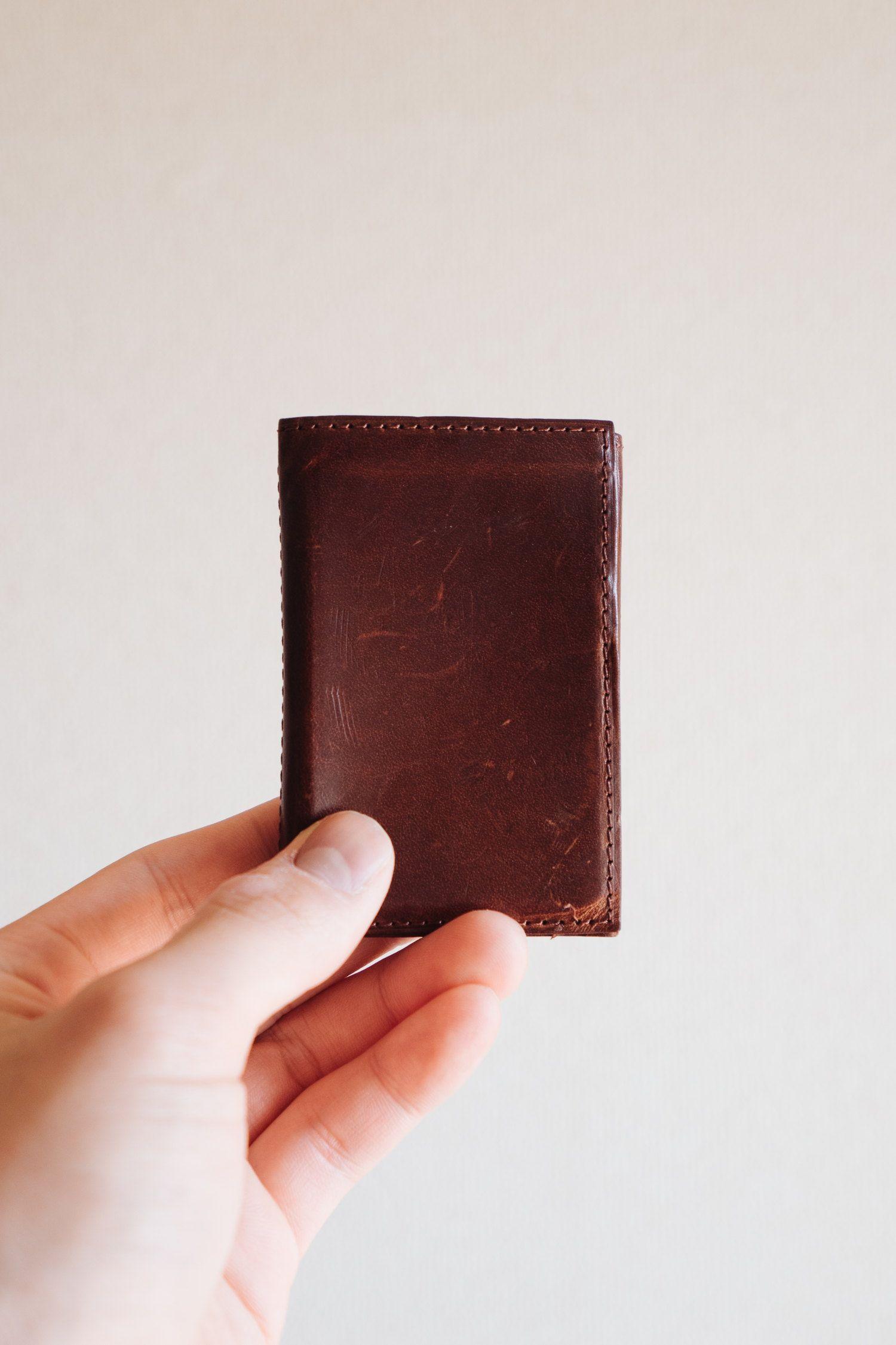 ミニマルな革財布 Presso プレッソ レビュー キャッシュレス時代にマッチする僕らの財布 革財布 財布 ミニマリストの財布