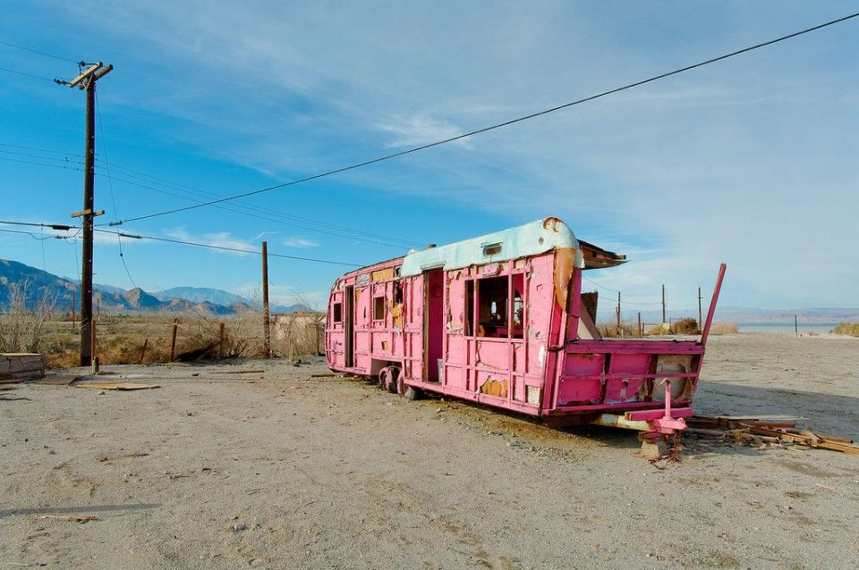 Californias Salton Sea Was Once A Sparkling Desert Oasis Attracting Vacationers In Mobile Homes And RVs The People Have Gone But Their Trailers Remain