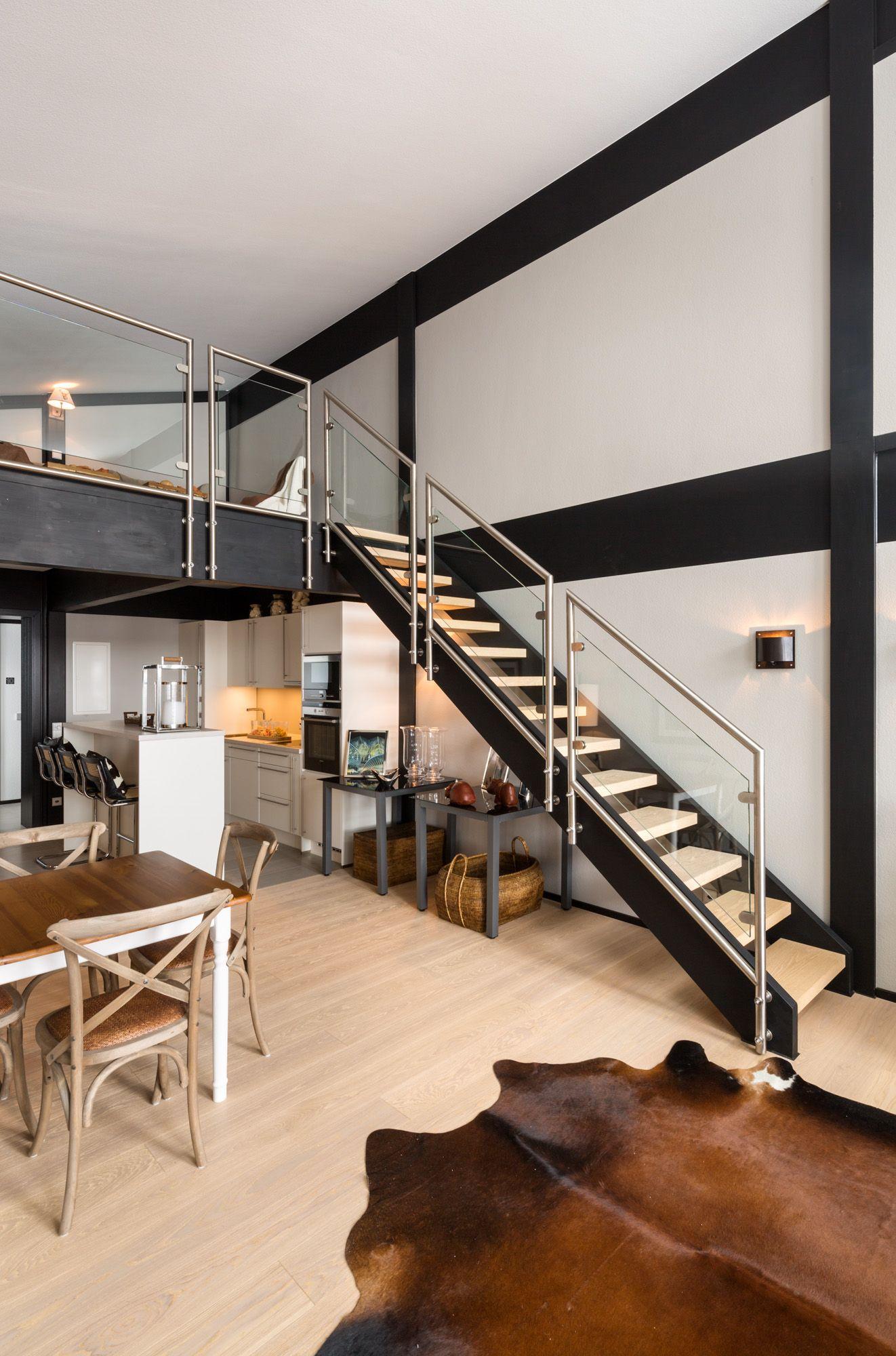 eigenwilligen Wohn und Zweckbauten nicht Halt macht stellt DAVINCI HAUS hier in eindrucksvoller Weise unter Beweis Treppe im Zusammenspiel