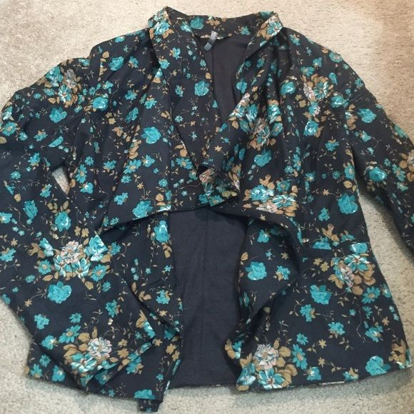 Cute floral blazer Super pretty colors and soft. Too small for me. Size med. Charlotte Russe Jackets & Coats Blazers