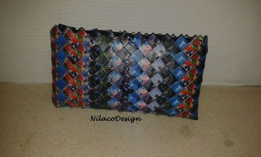 Billede: Skøn pung/kuverttaske, til lidt mere end mobilen. Lavet i blå PickWick tebreve.