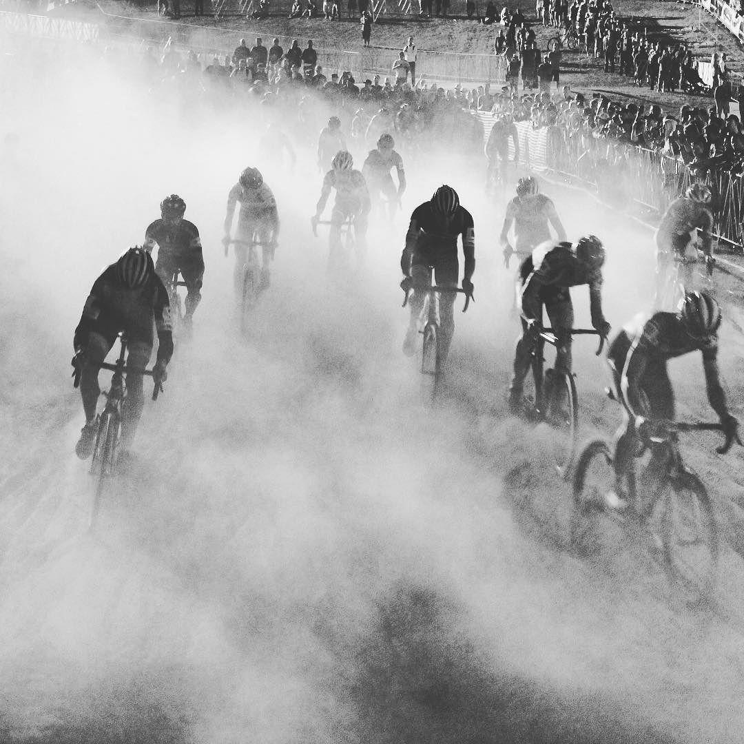 A little dust storm here in Vegas. #crossvegas by peopleforbikes