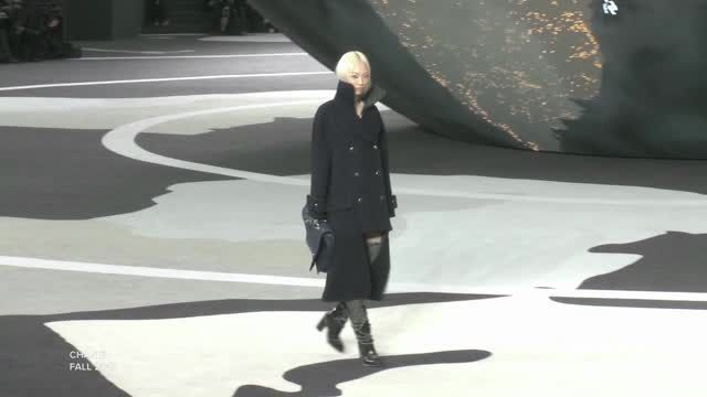 VIDEO: Chanel Runs the World For Fall 2013 - http://article-first.com/women-only/womens-fashion-women-only/video-chanel-runs-the-world-for-fall-2013/