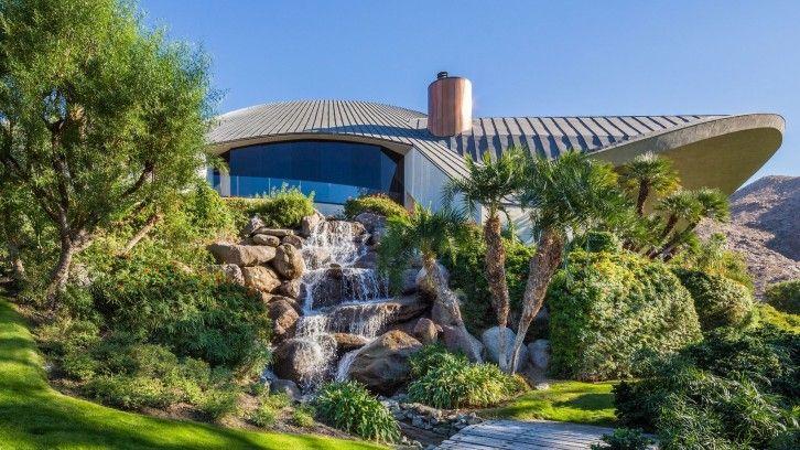 a luxuosa casa que pertenceu a Bob Hope, no deserto da Califórnia