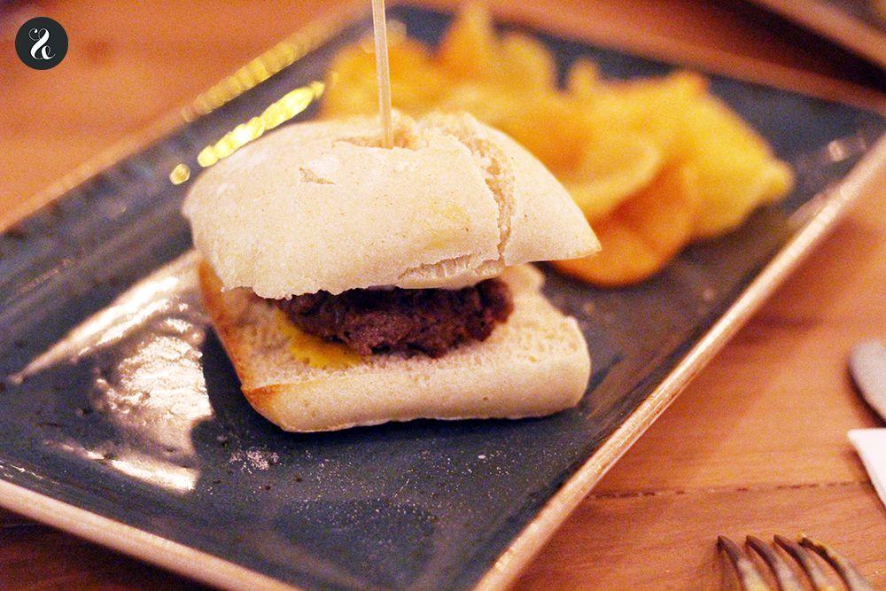 Minihamburguesa de retinto restaurante Macarela Cádiz Madrid