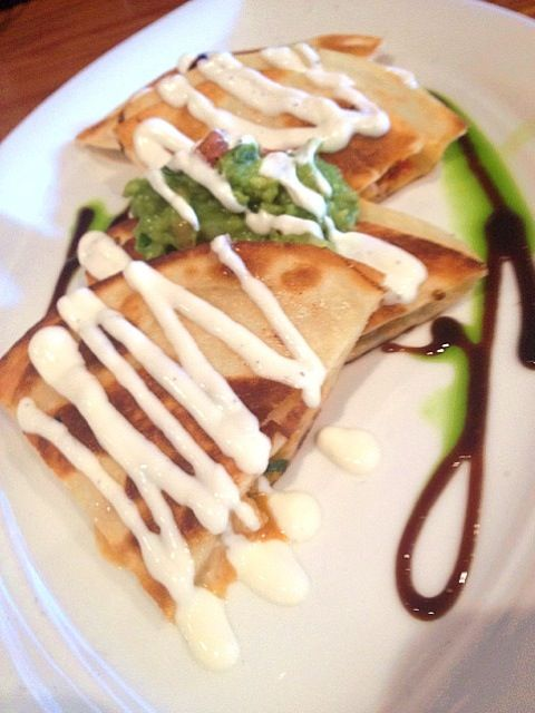 Can I have a piece??? yum♡ - 4件のもぐもぐ - lobster and shrimp quesadillas by Gwen Hernandez