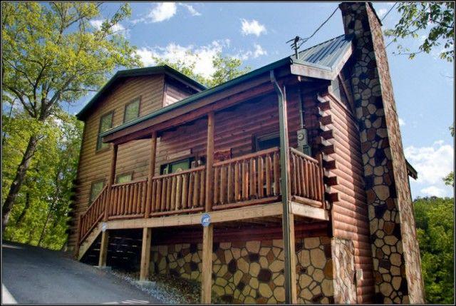 Bear Camp Cabin Rentals :: Amazin Cabin