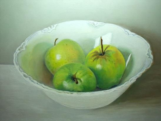Green apples in China bowl - By Atelier MARS