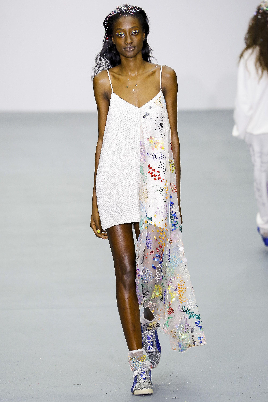 Show fashion ready to wear