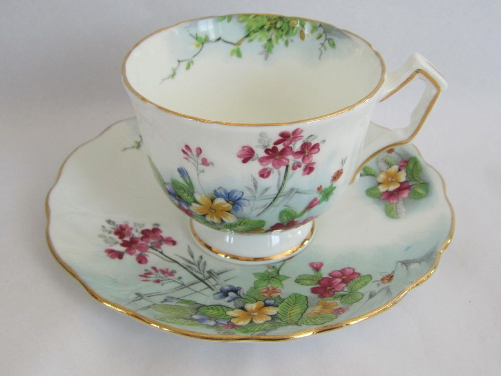 VINTAGE AYNSLEY ENG CHINA TEA CUP&SAUCER WHITE WITH MULTI COLOR FLORALS PRE OWN