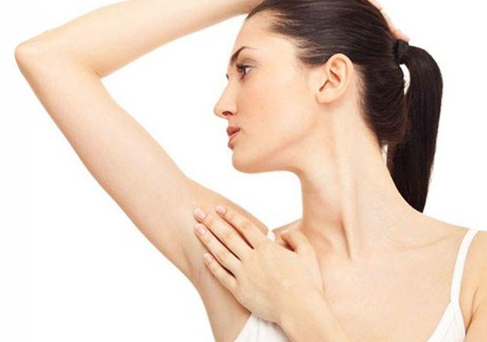 Nguyên nhân khiến nách thâm sần và có mùi hôi - Thuốc Đông Y Minh Ngọc trị hôi nách tận gốc, giảm thâm sần, dưỡng trắng da