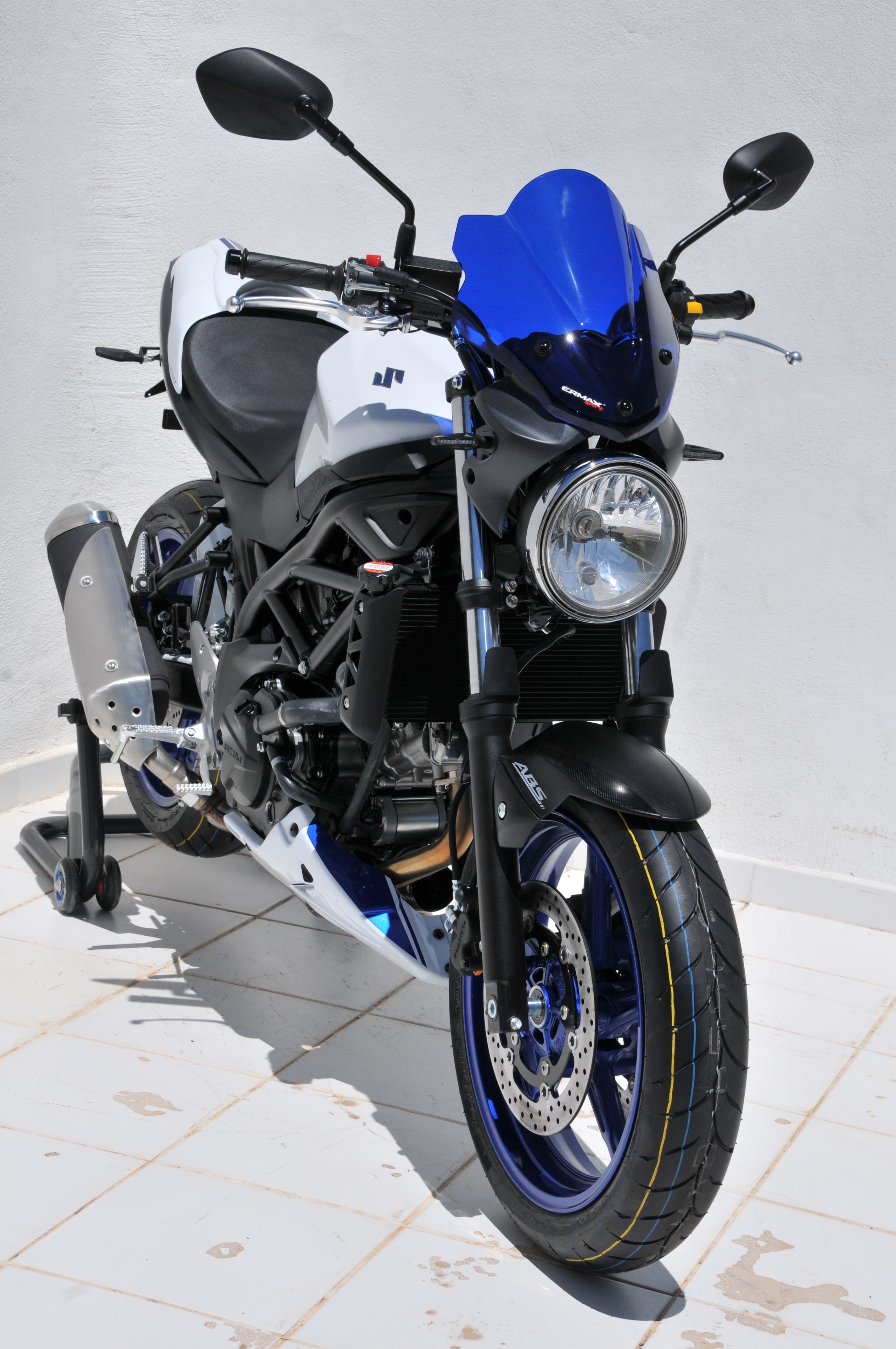 front view with blue nose screen belly pan suzuki sv. Black Bedroom Furniture Sets. Home Design Ideas