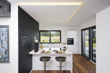 f r kleine mahlzeiten und den morgenkaffee l sst sich mit herrlichem ausblick am tresen. Black Bedroom Furniture Sets. Home Design Ideas